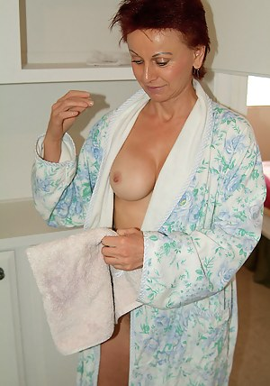 Best Housewife Porn Pictures