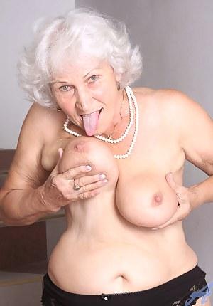Best Tongue Porn Pictures